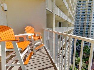 Cheery Gulf front condo w/ balcony, private beach, and shared pool & hot tub! - Panama City Beach vacation rentals