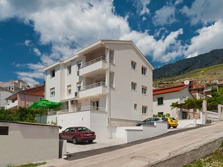 Apartment Maja (2+2), Dugi Rat - Dugi Rat vacation rentals