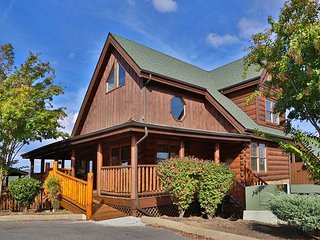 Better View Rustic Opulence, Game Room, Private Deck & Hot Tub, Rockers - Sevierville vacation rentals