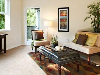 Lovely 1 Bedroom Apartment in Mill Creek - Mill Creek vacation rentals