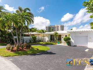 Chic Beach Home Across from Ocean, Heated Pool - Fort Lauderdale vacation rentals