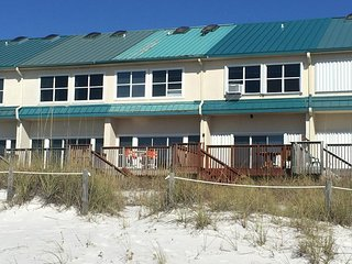 TOWNHOUSE ON BEACH-SAND YARD-PET FRIENDLY - Panama City Beach vacation rentals