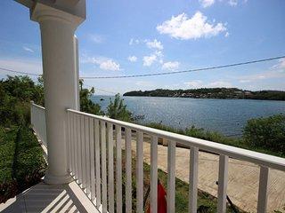 Appartement 2CH, vue mer, les pieds dans l'eau - Le Francois vacation rentals