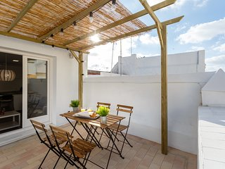 Cozy 2 bedroom Cadiz Apartment with Washing Machine - Cadiz vacation rentals