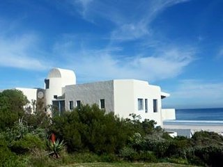 Lovely Apartment with Patio and Television in Pringle Bay - Pringle Bay vacation rentals