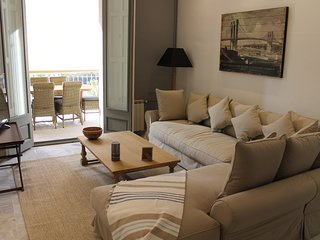 Splendid Three bedroom apartment with terrace - Barcelona vacation rentals