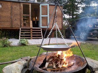 Beautiful Shepherds hut with Parking and Mountain Views - Glyncorrwg vacation rentals