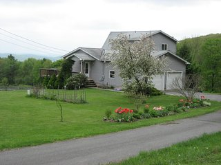 Comfortable 1 bedroom Vacation Rental in Belchertown - Belchertown vacation rentals