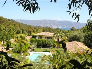 Luxury Villa with 1100m2 Living Space and Stunning Pool - Bormes-Les-Mimosas vacation rentals