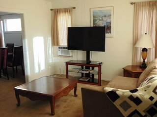 VENICE BEACH AREA 2BD/1BA HOUSE WITH PARKING - Los Angeles vacation rentals