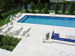 Luxury 5 Bedroom Miami Shores Oasis - Miami Shores vacation rentals