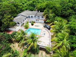 House with pool up to 21 next to Sun Bay beaches - Esperanza vacation rentals