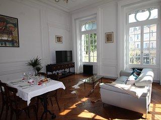 """City-Break """"Les Effrontés"""" - centre ville Limoges - Limoges vacation rentals"""