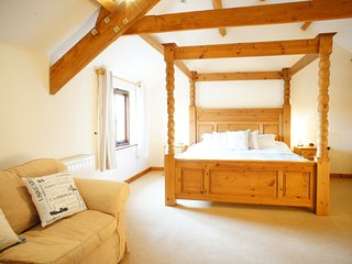 Hele Barton near Bude - Hayloft Sleeps 2 - Widemouth Bay vacation rentals