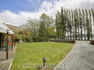 Mount Aspiring Lakeside Retreat - Wanaka vacation rentals