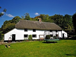 3 bedroom Cottage with Television in Milton Abbas - Milton Abbas vacation rentals
