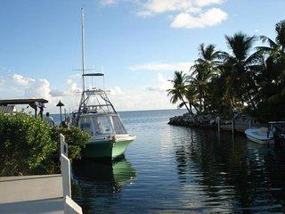 2/2 Full Kitchen Canal w/ Dockage Oceanview 33050 - Marathon Shores vacation rentals