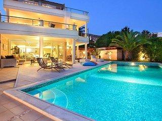 Luxury villa next to the beach - Kira vacation rentals