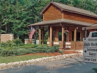 Eagle Rock Resort Luxury Condo Dec.19-26,$499/Week - West Hazleton vacation rentals