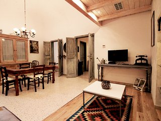 Charming 2 bedroom Apartment in Cefalu with Internet Access - Cefalu vacation rentals