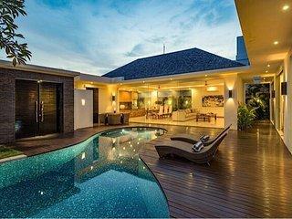 Deluxe Luxury private villa umalas - Kerobokan vacation rentals