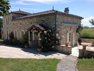 Stunning rural stone cottage in  unpoilt SW France - Saint Maurin vacation rentals