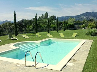 Private Villa  with pool for 8/10 person - Marlia vacation rentals