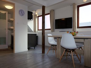 Convenient 1 bedroom Apartment in Calais with Washing Machine - Calais vacation rentals