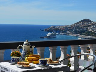 Top Floor with three balconies Funchal 2-4 Pers. - Funchal vacation rentals