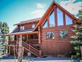 Beautiful  Rustic! Private! Spacious Pool Tbl  HORSE CORALS! - Big Bear City vacation rentals