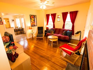 Cozy 2BD Apt - East Rock - 2 blocks from Yale SOM - New Haven vacation rentals