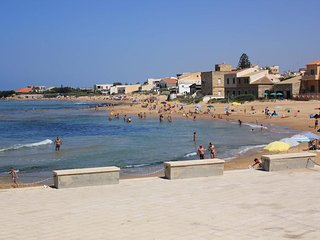 Agamennone, only 20mt from the sea - Punta Secca vacation rentals