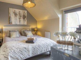 2 bedroom Condo with Internet Access in Port-en-Bessin-Huppain - Port-en-Bessin-Huppain vacation rentals