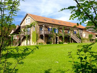 Lovely, spacious gites in converted barn+pool - Bournazel vacation rentals