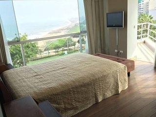 G88: Nice Duplex condo ocean view - Lima vacation rentals
