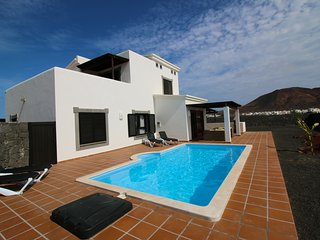 Casa Leila - A brand new luxury villa in Faro Park - Playa Blanca vacation rentals