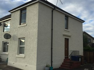 Cosy home on outskirts of Edinburgh. Up to 4 guest - Livingston vacation rentals