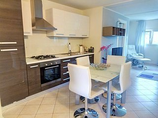 Gorgeous Lake Garda 1 bedroom apartment (7) - Desenzano Del Garda vacation rentals