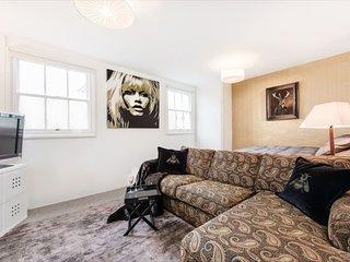Central London Studio! 10min walk to Soho - London vacation rentals