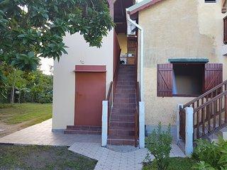 Cozy 2 bedroom Villa in Le Moule with Television - Le Moule vacation rentals