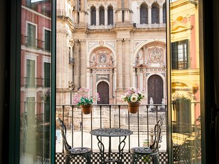 Amazing 2 bedrooms apartment with balcony and unique views of Cathedral - Malaga vacation rentals