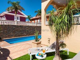 Cozy Villa with Private Pool in Sonnenland SG08 - Maspalomas vacation rentals