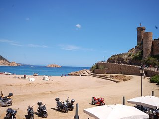 AMAZING TRIPLEX SEA VIEWS in TOSSA - Tossa de Mar vacation rentals