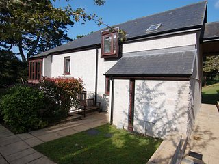 Bright House with Internet Access and DVD Player - Maenporth vacation rentals