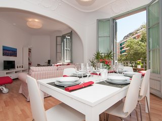 Charming Modernist Style Apartment - Barcelona vacation rentals