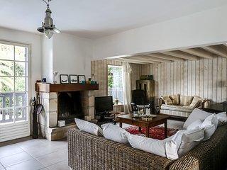 Jolie villa familiale avec piscine au Pyla - Pyla-sur-Mer vacation rentals