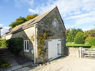 THE LONG BARN barn conversion, character features, garden, WiFi, in - Duntisbourne Abbots vacation rentals