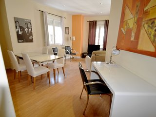 Centro Madrid Santa Ana 7 - Madrid vacation rentals