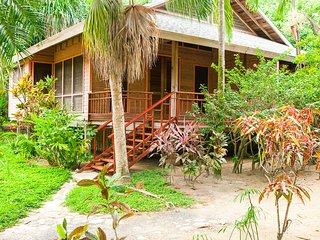 Casa Paraiso - A view to the sea...... - Roatan vacation rentals