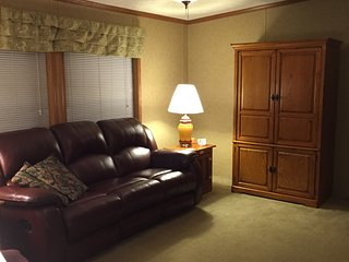 Guest House - Daily, Weekly, Monthly Rental - McLeansboro vacation rentals